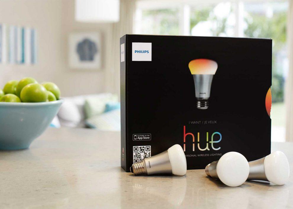 philips hue des ampoules connect es qui changent de couleur. Black Bedroom Furniture Sets. Home Design Ideas