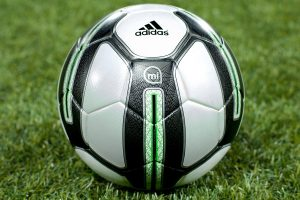 Adidas Smart ball miCoach : ballon connecté