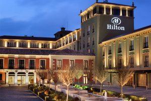 Hôtel Hilton : des serrures connectées