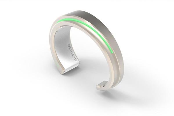 beacon un bracelet aux alertes et notifications color es. Black Bedroom Furniture Sets. Home Design Ideas