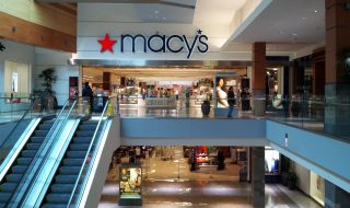 Macy's deploie son installation beacons