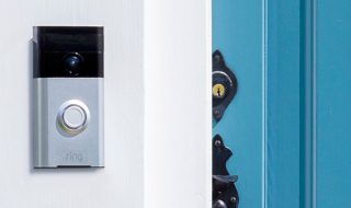 Doorbot devient Ring, un interphone connecté