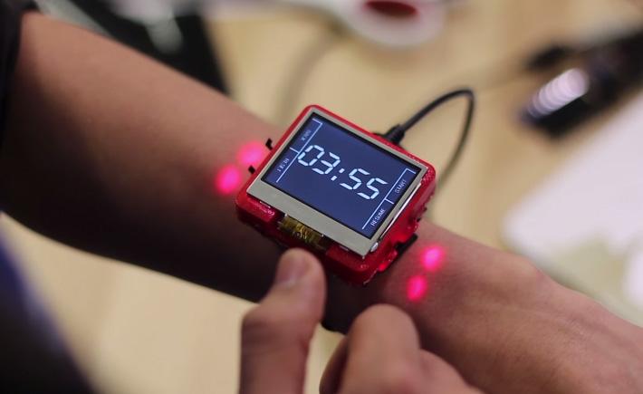 Le bras comme extension de la montre connectée ?