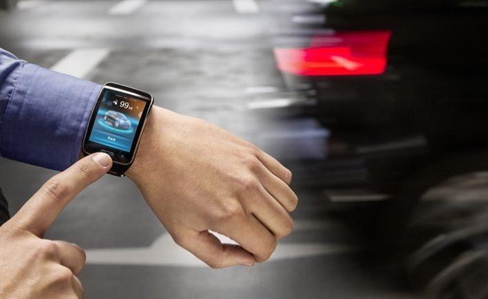 BMW, une voiture contrôlée par une smartwatch ?
