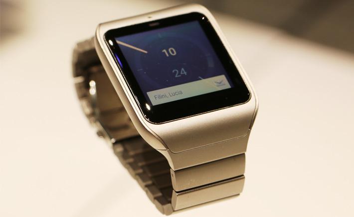La Sony Smartwatch 3 en acier inoxydable