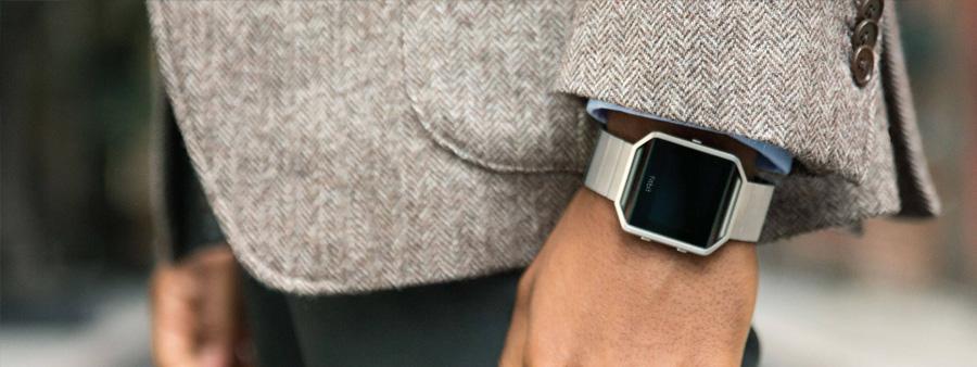 fitbit blaze avis prix et caract ristiques de la montre. Black Bedroom Furniture Sets. Home Design Ideas