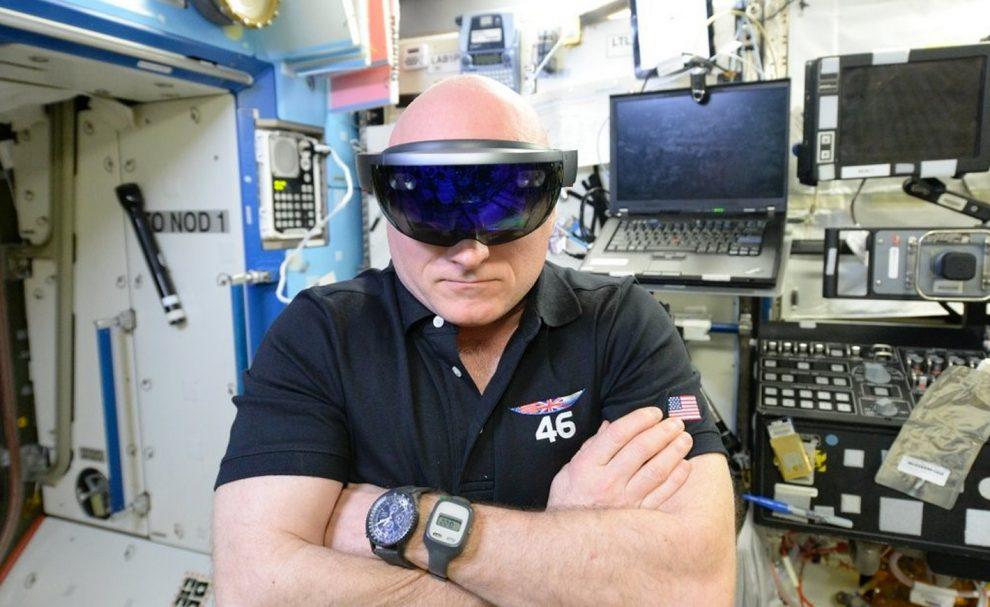 Hololens astronaute