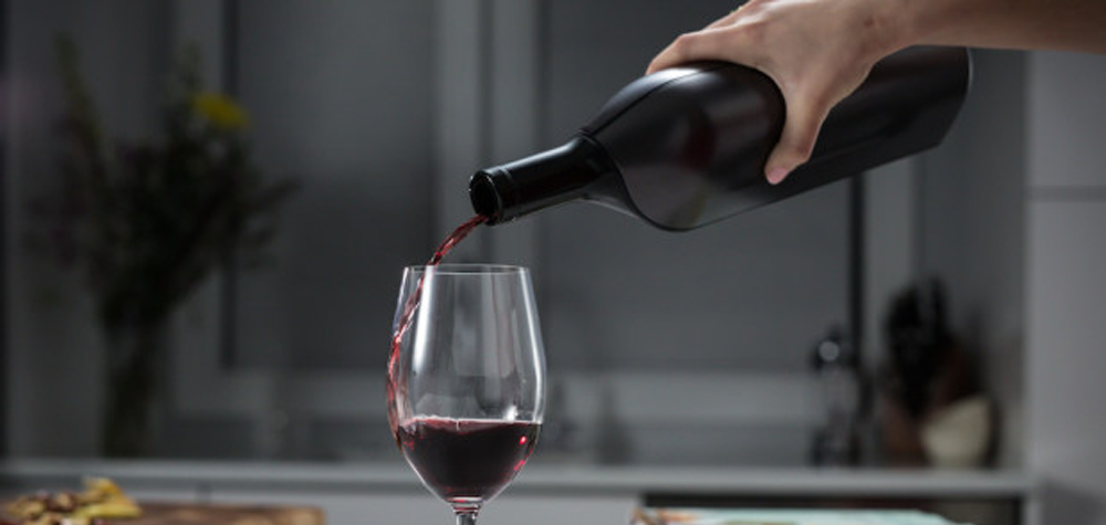 La bouteille de vin connectée KuvéeLa bouteille de vin connectée Kuvée