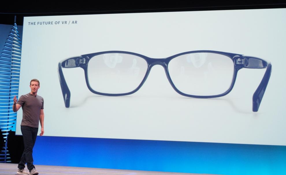 Mark Zuckerberg sur scène à la F8 2016