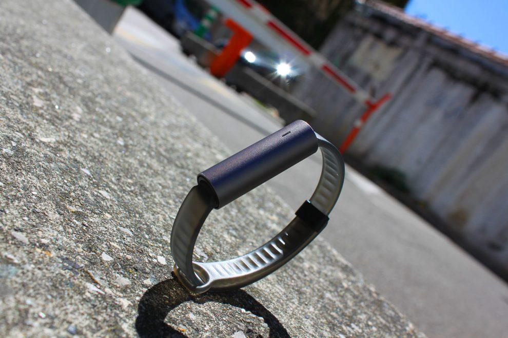 Bracelet Misfit Ray Presentation