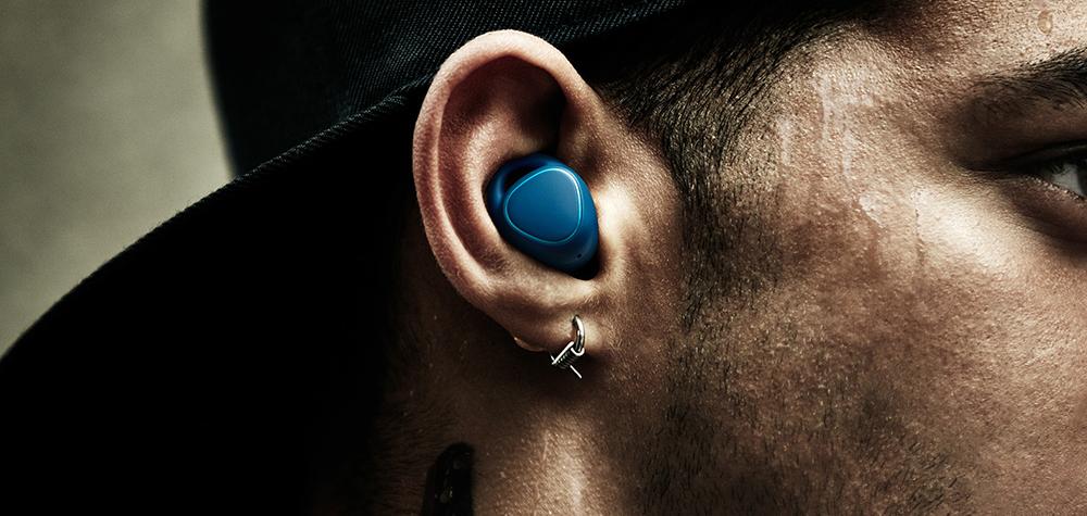 Samsung Gear IconX Lifestyle