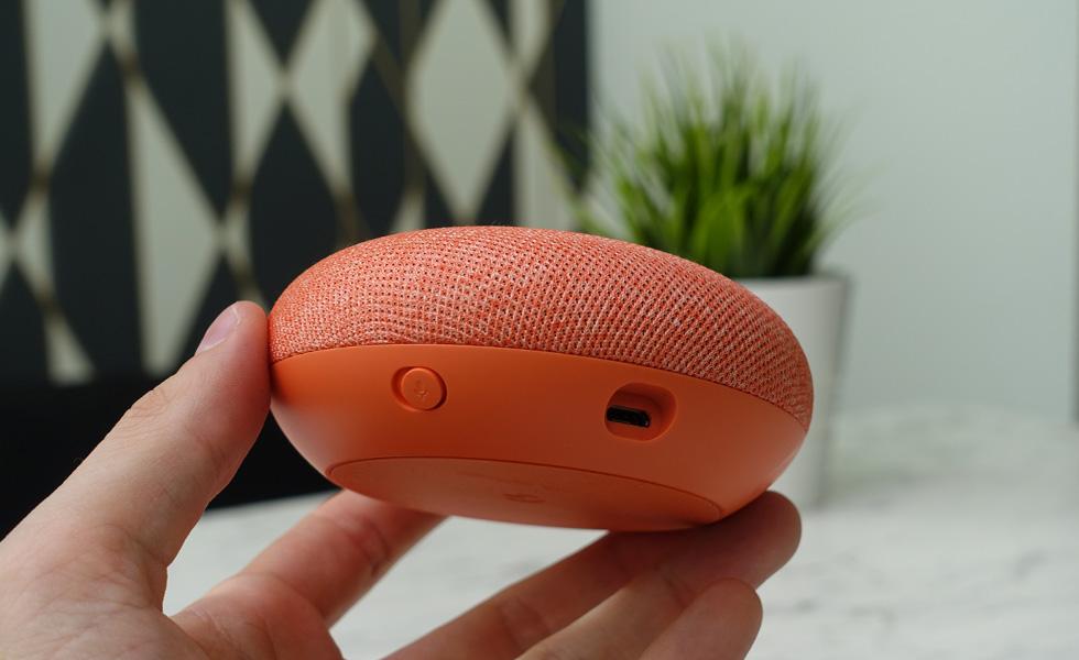 google home mini un bug lorsque le volume est au maximum. Black Bedroom Furniture Sets. Home Design Ideas