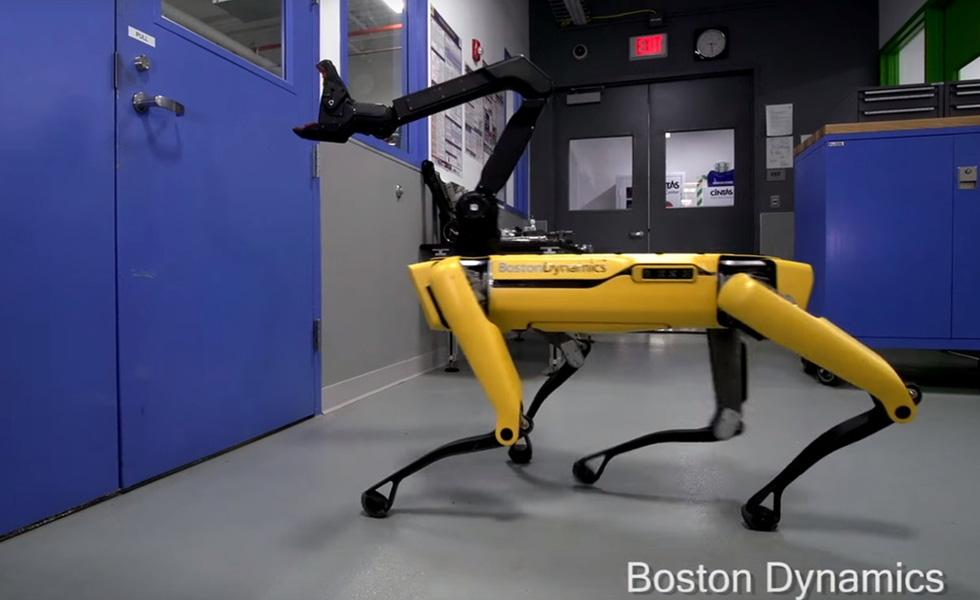 Le dernier robot de Boston Dynamics peut ouvrir les portes et c'est terrifiant