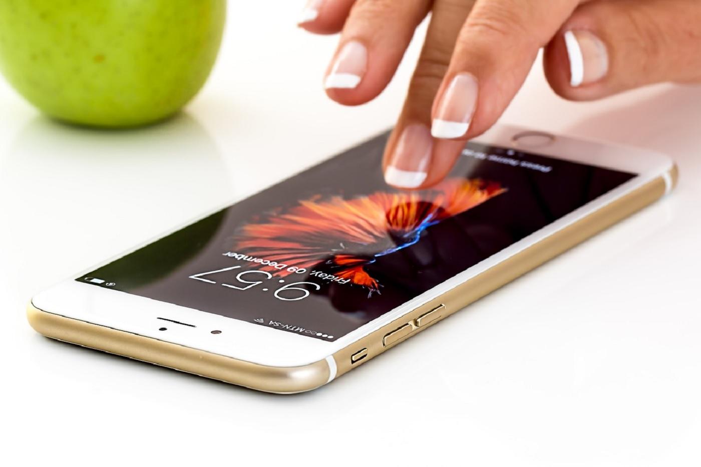 Envoyer des SMS sans réseau mobile ? Apple aurait jeté l'éponge