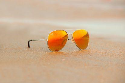 Des lunettes Ray-Ban / Image : StockSnap (via Pixabay)